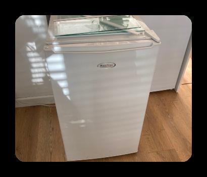 medium fridge £30 vat no