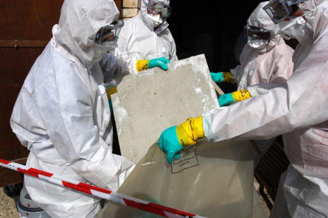 asbestos specliast contractor removing and disposing of asbestos